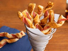 Pepperidge Farm Puff Pastry Brown Sugar Bacon Twists Recipe Wow your guests with these puff pastry strips featuring bacon brown sugar and some kicked up Parmesan cheese They re distinctive delicious and sure to be a hit at your party Bacon Recipes, Cake Recipes, Brown Sugar Bacon, Maple Bacon, Candied Bacon, Tapas, Pepperidge Farm Puff Pastry, Gourmet, Bacon