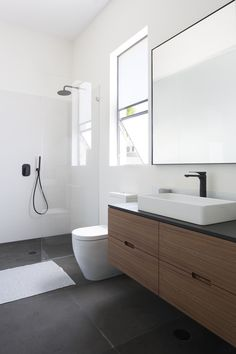 If you're wondering how to decorate a bathroom, you'll love these small bathroom design ideas. Create a stylish bathroom with big impact with our easy small bathroom decorating ideas. Bathroom Vanity Designs, Bathroom Layout, Modern Bathroom Design, Bathroom Interior Design, Bathroom Ideas, Bathroom Vanities, Bathroom Storage, Bathroom Organization, Serene Bathroom