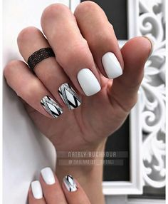 Geometry White of course is # I will not tire of praising him . Glam Nails, Beauty Nails, Fun Nails, Love Nails, Gelish Nails, Manicure And Pedicure, Gorgeous Nails, Pretty Nails, Geometric Nail
