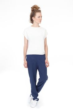 Looking casual today: comfy pants Sadoux by our favourite Frenchies of L'Herbe Rouge and oversized slipover top by wunderwerk in plain white.