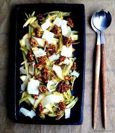 Salat med ristet fennikel, pærer og sprøde valnødder