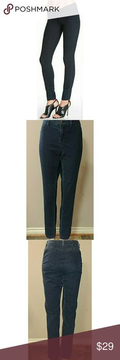 "J Brand 32x31.5 Olympia J Brand Olympia skinny jeggings size 32 with a 31 1/2"" inseam. Very stretchy, in great preowned condition. Waist flat is 15"" and rise is 9 1/2"" J Brand Jeans Skinny"