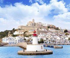 Ibiza: 《Dalt Vila》 visto desde el mar. Baleares