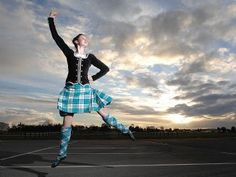 Gorgeous Highland dance photo http://images.whereilive.com.au/images/uploads/2010/07/27/d6ef8cd883e47e87d05ac002255f4a3d_resized.jpg