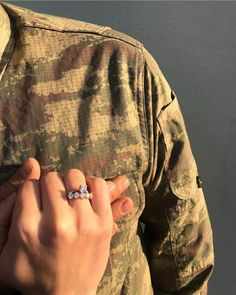 Military Couple Pictures, Couple Goals Teenagers Pictures, Military Couples, Military Love, Army Love, Cute Couple Pictures, Horse Girl Photography, Wedding Couple Poses Photography, Couple Goals Relationships