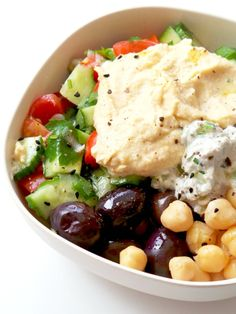 Mediterranean Bowl Healthy Lunch Meal Prep is part of Minute Mediterranean Bowl Vegan Meal Prep Recipe - Super easy and healthy Mediterranean bowl recipe that is ready in no time! This is a healthy vegan meal prep lunch recipe you'll love! Vegan Meal Prep, Lunch Meal Prep, Lunch Recipes, Vegetarian Recipes, Healthy Recipes, Free Recipes, Healthy Salads, Healthy Options, Mediterranean Bowls