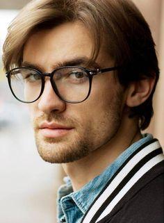 Resultado de imagem para armação de oculos de grau masculino quadrado grande