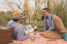preboda jesus y victor rio boda gay exteriores wedding photo photographer fotógrafo de bodas novios picnic perro vintage