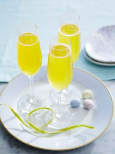 Passion Fruit Bellinis