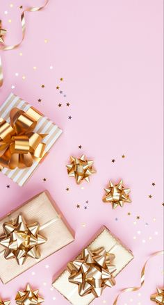 Cute Christmas Backgrounds, Christmas Phone Wallpaper, Holiday Wallpaper, Iphone Background Wallpaper, Pink Wallpaper, Glitter Wallpaper, Iphone Backgrounds, Holiday Gift Guide, Holiday Gifts