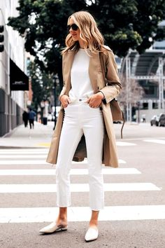 Fashion Jackson Capsule Wardrobe Wearing Everlane Trench Coat White Sweater Everlane White Crop Jeans Everlane White Mules Source by milestonesb outfit Mode Outfits, Casual Outfits, Fashion Outfits, Fashion Ideas, 30 Outfits, Modest Fashion, Hijab Fashion, Fashion Trends, Fashion Tips