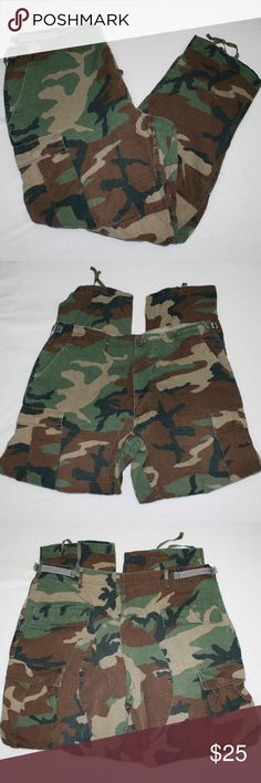 Woodland Camo BDU Army Cargo Pants Military issued large regular pants.  Waist is adjustable 35 - 39, and inseam is 31 inches.  (0204) Camo Pants Cargo