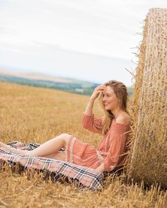 Adorable peach summer dress! Picture by @imogenandjames • dress by @anthropologieeu