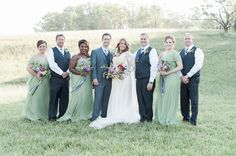 We are loving all the complementary colors of this bridal party captured by Daniele Eylse, Tri-Cities wedding photographer. If you want to see more of her work, click the image above.  Photo credit: Daniele Elyse Photography