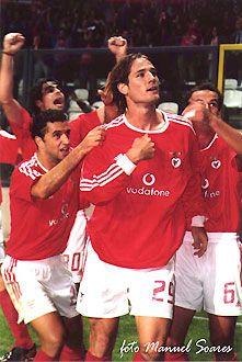25 de Janeiro de 2004... Dia fatídico para Fehér. Aqui rodeado por Tiago, Simão Sabrosa e Petit.