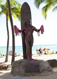 ღღ Oahu ~ A sculpture of Duke Kahanamoku, a young Olympic swimmer in the early 1900s, who revived the ancient sport of surfing.