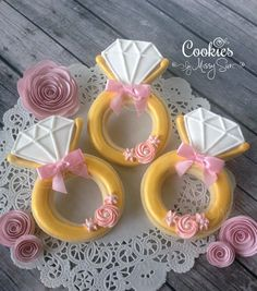 pink, white, and gold wedding cookies - - Image Search Results Fancy Cookies, Iced Cookies, Cut Out Cookies, Cute Cookies, Royal Icing Cookies, Cookies Et Biscuits, Cupcake Cookies, Cupcakes, Sugar Cookies