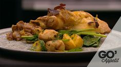 Grillede kaninlår med tomat chutney (server kartofler med spinat, radise og havtornsjuice til - opskrift i 'side dish' opslagstavlen).
