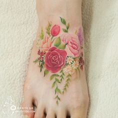 beautiful tattoos that look like watercolour paintings 15 beautiful tattoos that look like watercolour paintings: Right beautiful tattoos that look like watercolour paintings: Right foot Pretty Tattoos, Cute Tattoos, Beautiful Tattoos, Tatoos, Foot Tattoos, Body Art Tattoos, Floral Foot Tattoo, Floral Tattoos, Watercolor Foot Tattoo