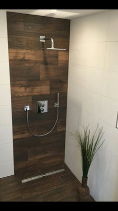 Fliesen Ideen Duschholzoptik Fliesen # Dusche # Fliesen # Holzoptik The 1 2 Of Sound Proof Paint Chalet Design, Modern Bathroom Design, Bathroom Interior Design, Small Bathroom, Master Bathroom, Bathroom Splashback, Douche Design, Wood Look Tile, Shower Remodel