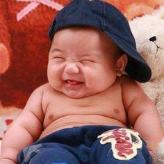 Happy boy -makes my hubby laugh out loud. Lil guy is just so cute and chubby with a warm smile. Precious Children, Beautiful Children, Beautiful Babies, Simply Beautiful, Sweet Pictures, Baby Pictures, Baby Kind, Baby Love, Baby Baby