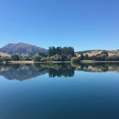 Lake Wanaka on the finest of fine days   Pic: @the_kingdom_nz  _________________________________  #wanaka #lake #autumn #nz #travel #newzealand #kiwi #instatravel #travelgram #landscape #nature #northisland #southisland #aotearoa #scenery #sceneryporn #beautiful #breathtaking #ourplanetdaily #neverstopexploring #lonelyplanet #splendid_earth #tourtheplanet #beautifuldestinations #igbest_shotz #naturelovers #roamtheplanet #worldshotz #wanderlust #openmyworld