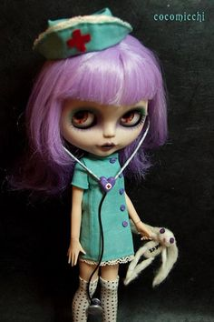 Blythe Doll makeovers are inspiring. I love this idea for a nurse. Wonderful outfit and combination of dark whimsy.