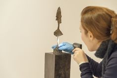 """Alberto Giacometti"" sergisi kurulumu 