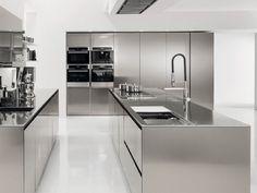 FiloFree Steel: cucina in acciao inox aisi filofree steel by Euromobil cucine