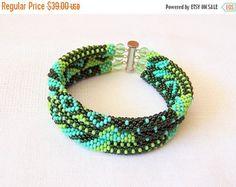 CHRISTMAS SALE Brown bracelet 3 Strand Bead Crochet от lutita