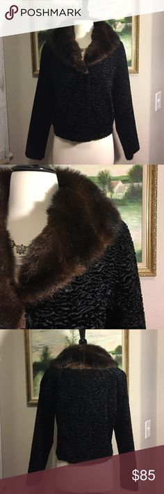 """🎀White House Black Market Velvet Jacket🎀 This is a gorgeous, black velvet jacket with a faux fur collar and 2 front pockets. Measures 21"""" in length, laying flat. Like new condition! White House Black Market Jackets & Coats"""