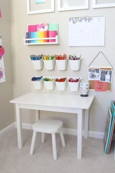 playroom art station is giving us all the toddler art goals! This playroom art station is giving us all the toddler art goals! - This playroom art station is giving us all the toddler art goals! Baby Playroom, Playroom Art, Playroom Design, Children Playroom, Playroom Table, Small Playroom, Kids Room Design, Baby Room, Colorful Playroom