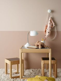 I stedet for kun at male én væg, så prøv denne (nye) trend Decor, Kids Room Inspiration, Interior, Nursery Baby Room, Kid Room Style, Interior Design, Room Wall Colors, Wall Color, Bedroom Wall Colors