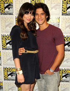 Tyler Posey and Crystal Reed - Teen Wolf comic-con Teen Wolf Tumblr, Teen Wolf Quotes, Teen Wolf Scott, Teen Wolf Boys, Crystal Reed, Crystal Marie, Wolf Comics, Larry, The Mysterious Island