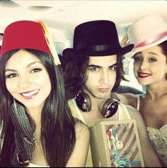 Victoria Justice, Avan Jogia & Ariana Grande