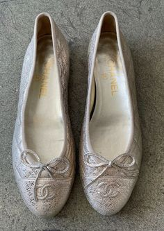 Circle Fashion, Designer Resale, Leather Ballet Flats, Gold Style, Quilted Leather