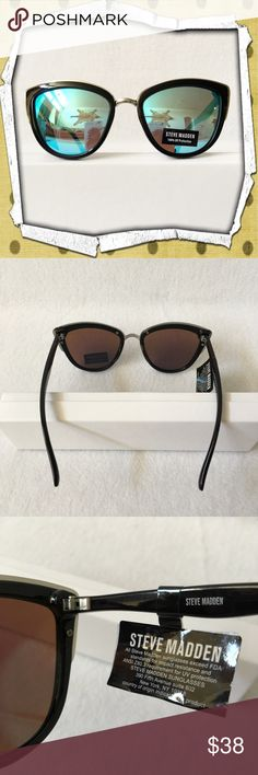 d41e7c74deca AUTHENTIC✨Steve Madden Mirrored Sunglasses 💯% AUTHENTIC 💕 Gorgeous  mirrored sunglasses from Steve Madden 💖 In very good condition.