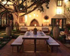 Spanish House Colors Design Ideas, Pictures, Remodel, and Decor - page 19 Spanish Courtyard, Courtyard House, Spanish Backyard, Spanish Style Homes, Spanish House, Spanish Kitchen, Outdoor Rooms, Outdoor Dining, Dining Area