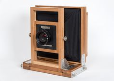 Awesome instructions about building your own 8X10 camera!