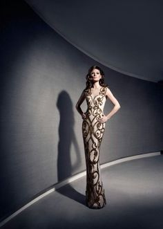 If you are invited to an event where you have to dress to impress then you should definitely choose some of the glamorous evening gowns by Yousef-Al-Jasmi. Lovely Dresses, Beautiful Gowns, Sexy Dresses, Glamorous Evening Gowns, Evening Dresses, Classy Gowns, Formal Gowns, Formal Dress, Celebrity Dresses