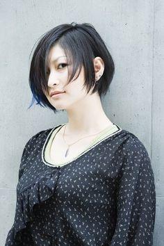 ヘア/黒髪にメッシュをプラ...|ファッション、ブランド、モードの情報満載「SPUR.JP(シュプールジェーピー)」|HAPPY PLUS(ハピプラ)