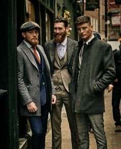 Dress like a true gentleman, stay stylish and be yourself. – [pin_pinter_full_name] Dress like a true gentleman, stay stylish and be yourself. Traje Peaky Blinders, Estilo Gangster, Style Anglais, Stylish Mens Fashion, Men Fashion, Gentleman Style, True Gentleman, Dapper Gentleman, Herren Style