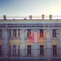 Автопортрет / Self-portrait #spb #saintpetersburg #stpetersburg #sky #buildings #foto #спб #санктпетербург #питер #небо #здания #черезстекло #фото