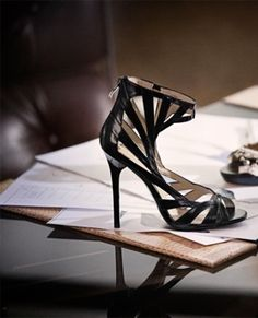 Jimmy-Choo-Creates-Accessories-Clothing-Collection-HM