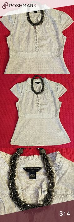Banana Republic pretty top! Banana Republic size xs petite gray and white printed top in great condition! Pretty button detail with empire waist and zipper closure on the side. Banana Republic Tops Blouses