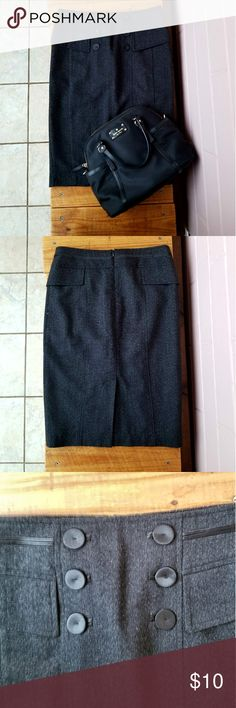 """S ZARA BASIC PENCIL SKIRT About: •brand: Zara •size: small •color: black •back zipper closure •front decorative buttons •good condition with plenty of life left •comes from a smoke-FREE & pet-FREE home  Measurement: •length: 23"""" •waist: 26"""" •hip: 37"""" Zara Skirts Pencil"""
