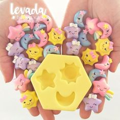 1 million+ Stunning Free Images to Use Anywhere Cute Polymer Clay, Cute Clay, Polymer Clay Miniatures, Polymer Clay Charms, Clay Projects, Clay Crafts, Diy And Crafts, Homemade Business, Use E Abuse