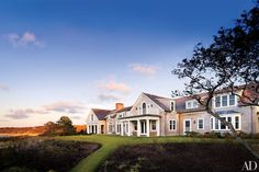21 Beautiful and Beachy Shingle Style Homes Photos   Architectural Digest