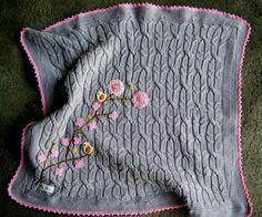 Manta para bebê em tricô. www.miauatelier.com.br #artesanato