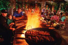 Walt Disney World, Dining - Guests At Ohana